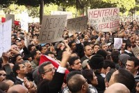 Reuters+Tunisia+protesters+posters+480