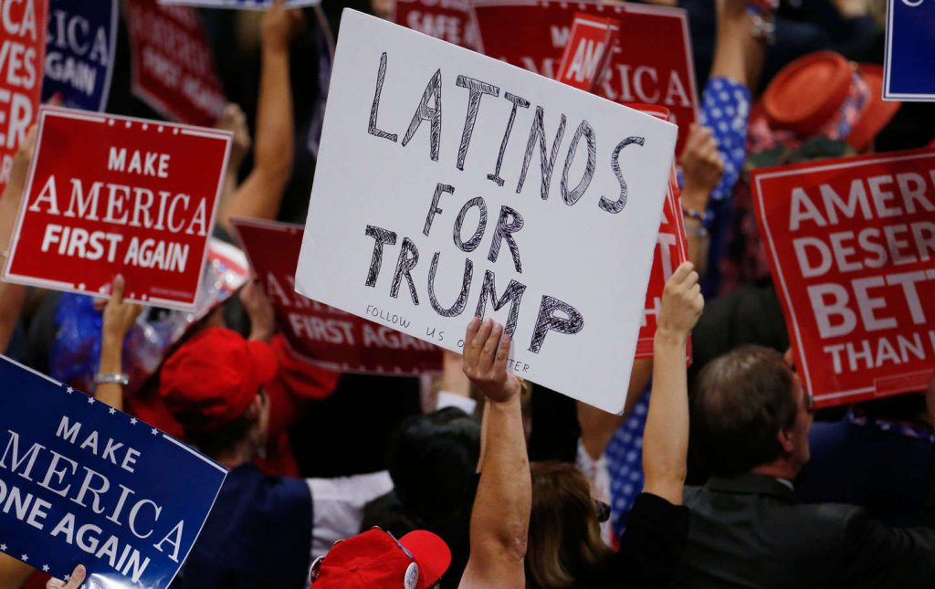 Latinos_for_Trump_rtr_img